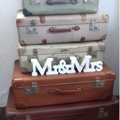 5 koffers met mrs en mrs 20 euro